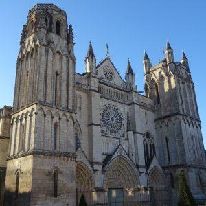 Guide Touristique Poitiers,Visite Guidée Poitiers