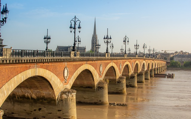 Guides touristiques France 23
